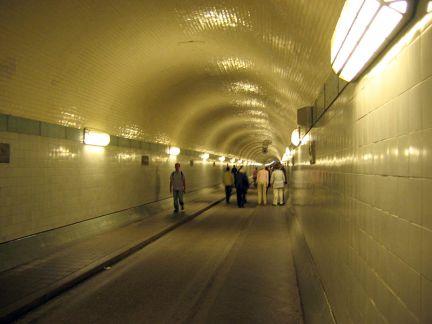 800px-elbe_tunnel-wiki.jpg