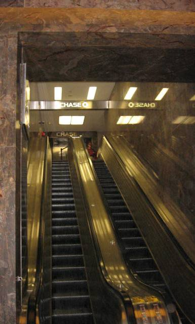 empire escada entre o hall e o mezanino
