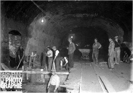 dentro de um tunel