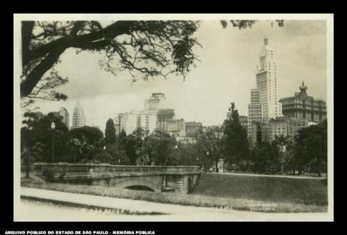Vista da Ponte Tamanduatey, no Parque D. Pedro II na década de 40 Fonte: APESP